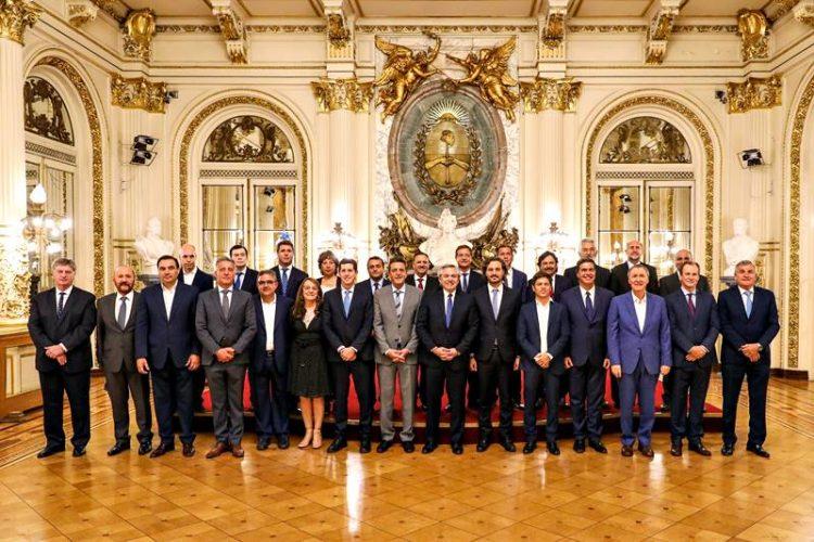 Valdés se comprometió a acompañar al Gobierno nacional