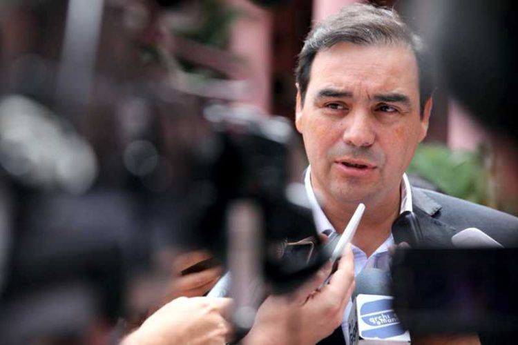 El Gobernador Valdés confirma el cronograma de pago de sueldos de noviembre