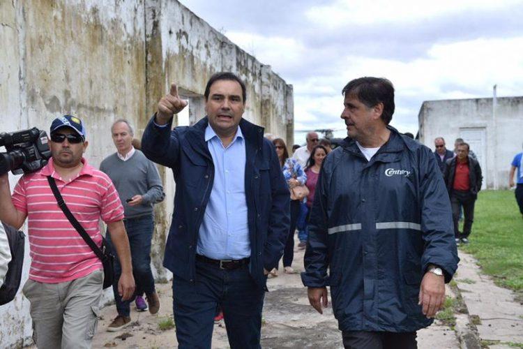 Valdés recorrió zonas inundadas del sur de Corrientes